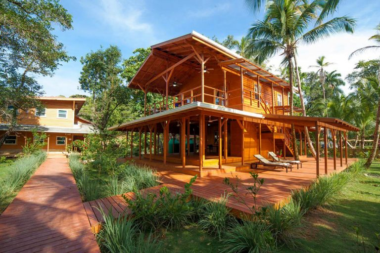 Casa Ceramica is a beautifully crafted rental apartment in bocas del toro set in a Caribbean garden.