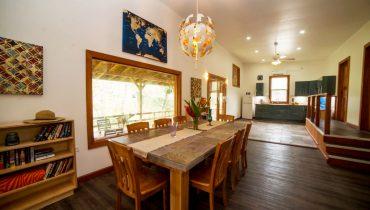 Casa-Escultura-2.0-Dining-Area