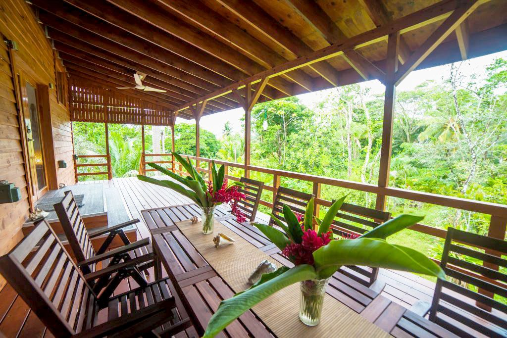 long term scenic outside porch for a rental apartment in panama