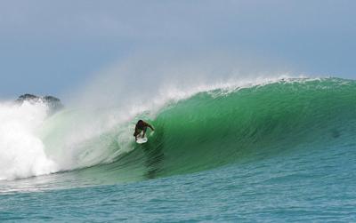 paunch reef surf spot barrel bocas del toro panama